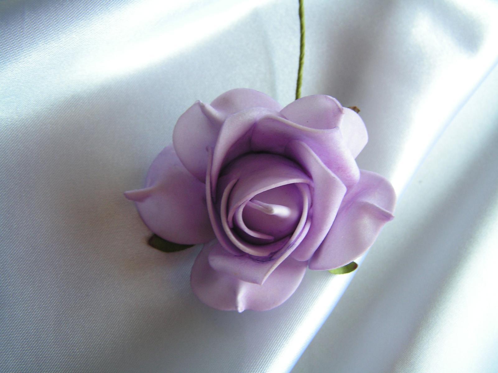 Světle fialkové pěnové růže - 7 cm - Obrázek č. 1