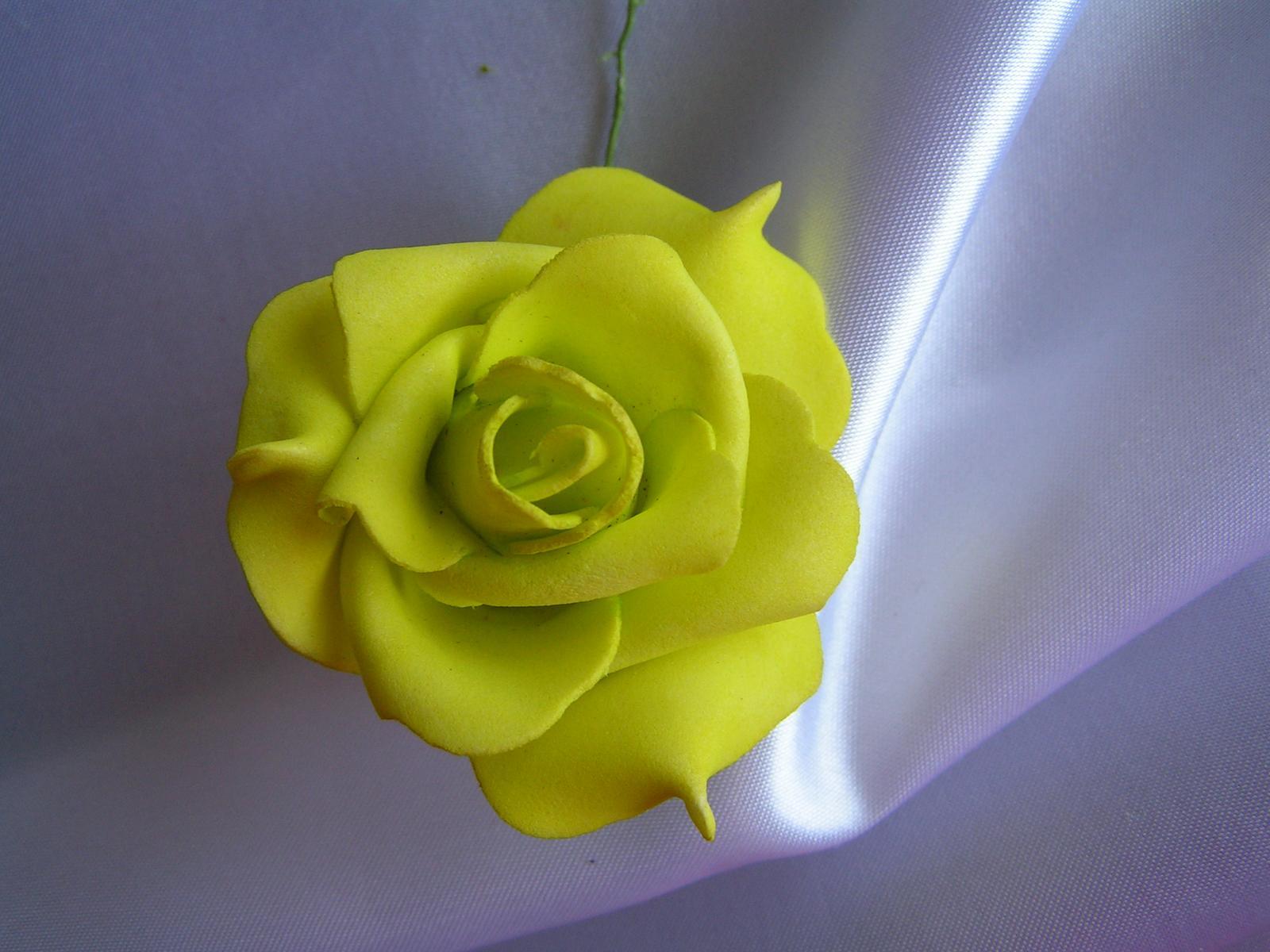 Světle zelené pěnové růže - 5,5 cm - Obrázek č. 1