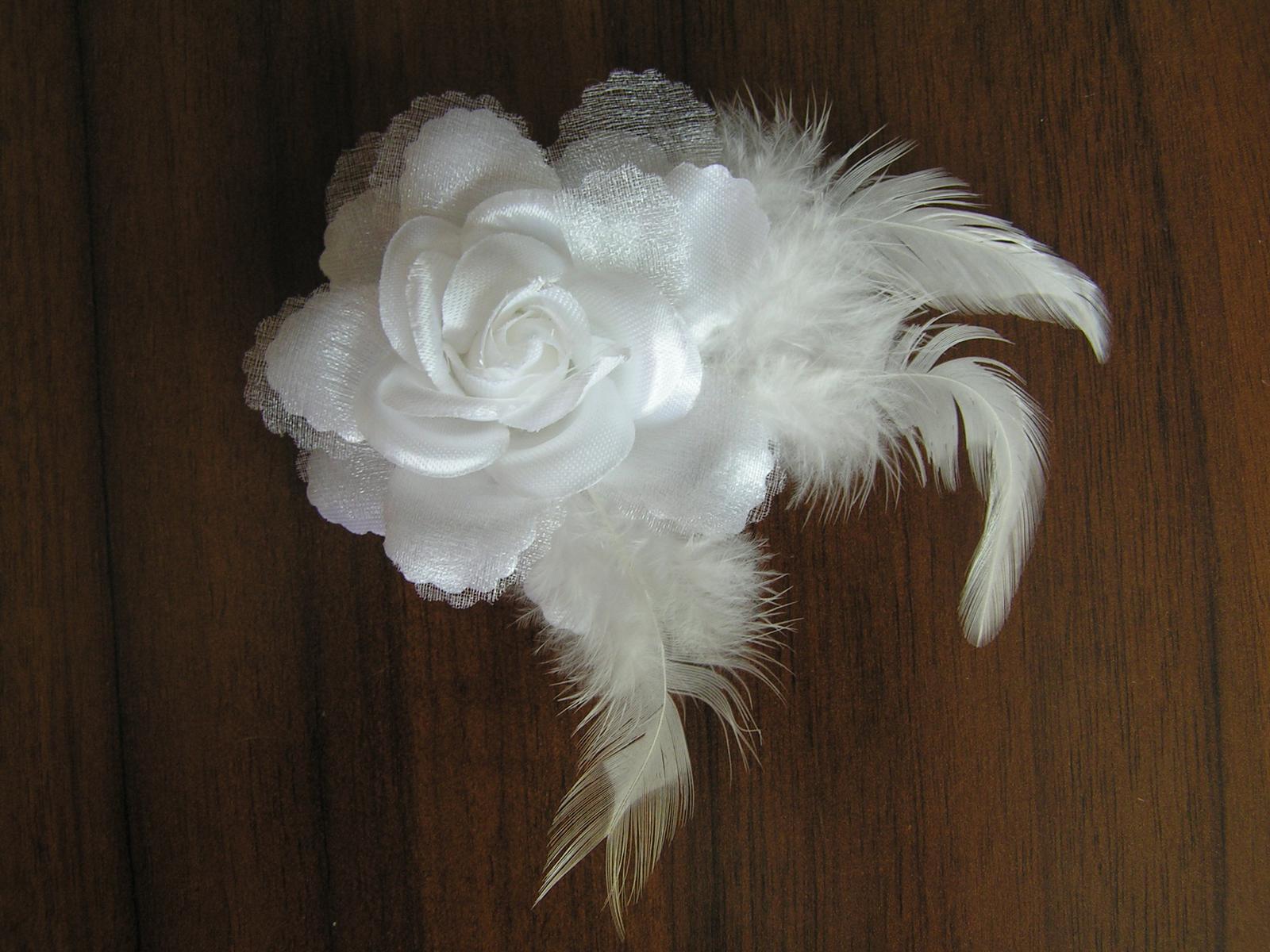 Květina na skřipci do vlasů - Obrázek č. 1