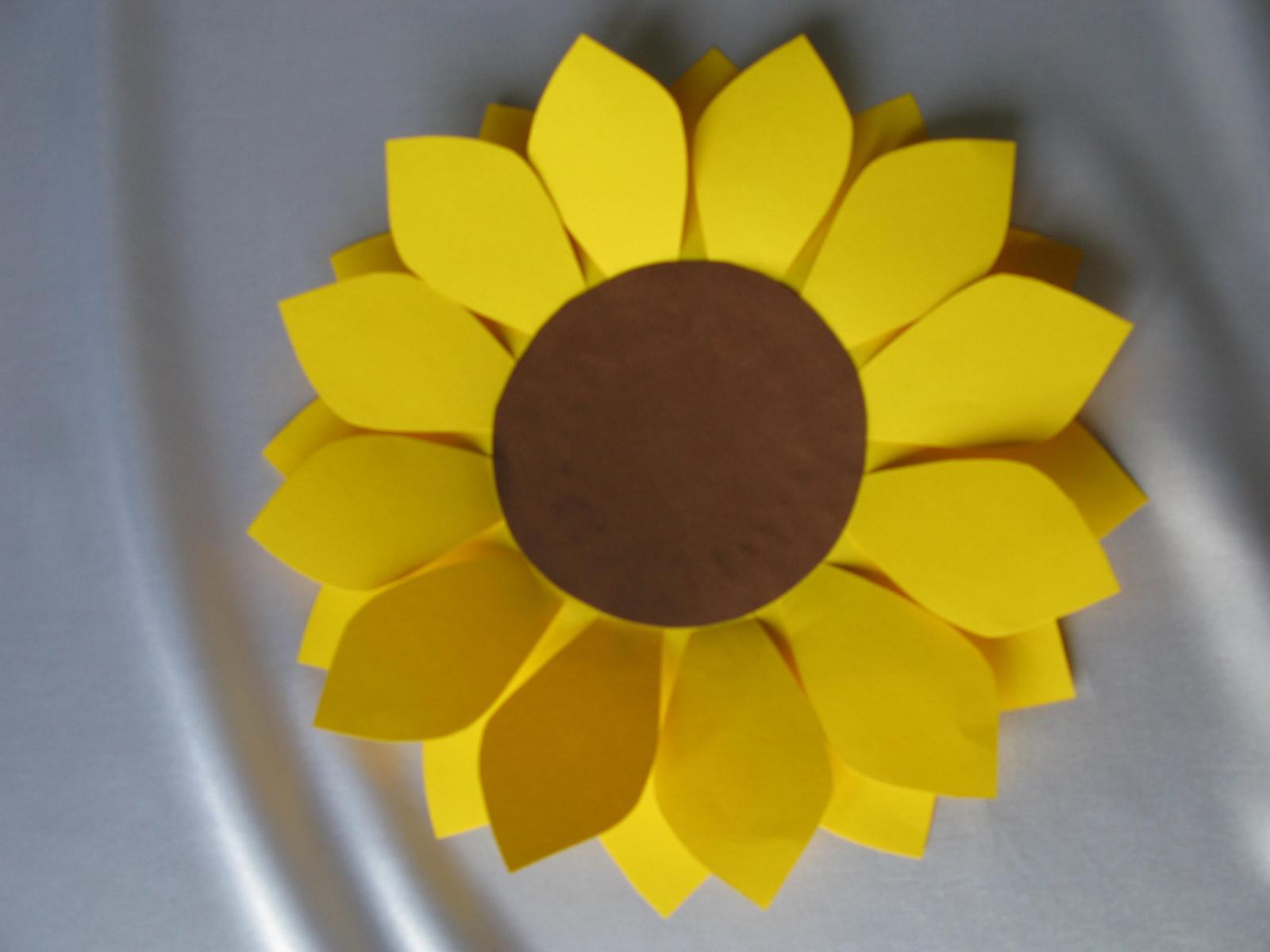 Papírový květ slunečnice - Obrázek č. 1