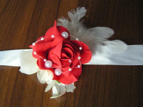 Náramek s pěnovou růží - Obrázek č. 1