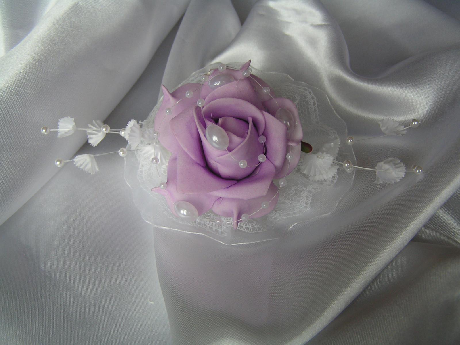 Náramek s pěnovou růží - Obrázek č. 3