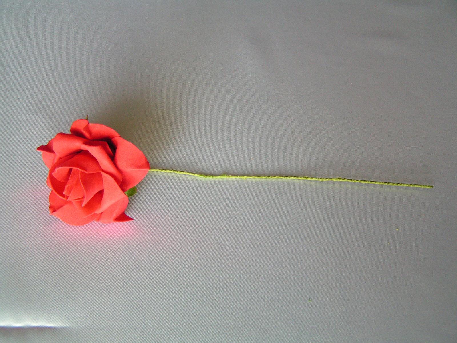 Červené pěnové růže - 8 cm - Obrázek č. 1