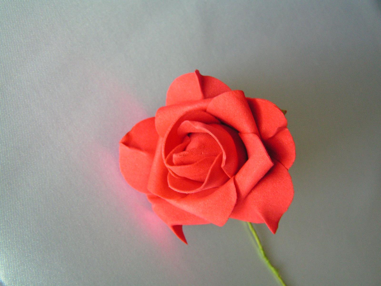 Červené pěnové růže - 8 cm - Obrázek č. 2