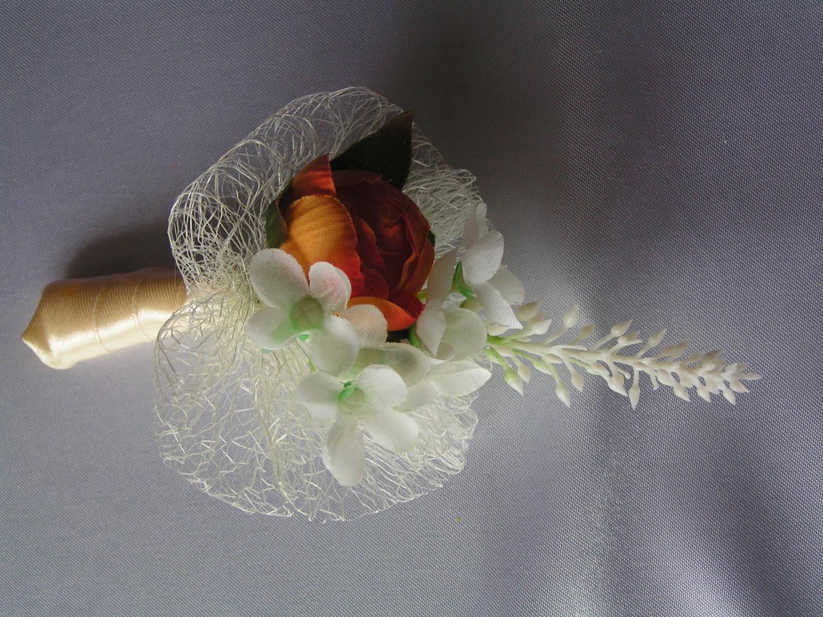 Malá kytička - např. jako korsáž - Obrázek č. 2