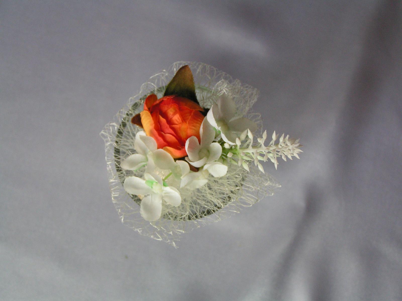 Malá kytička - např. jako korsáž - Obrázek č. 3