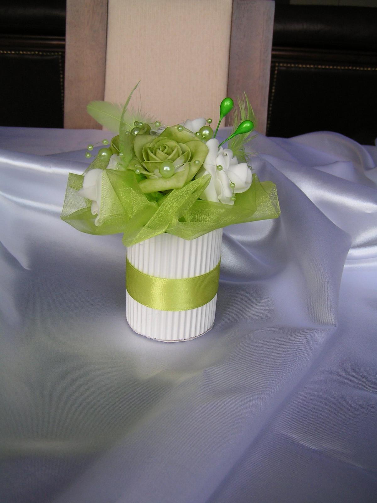 Květiny na stůl - Obrázek č. 1
