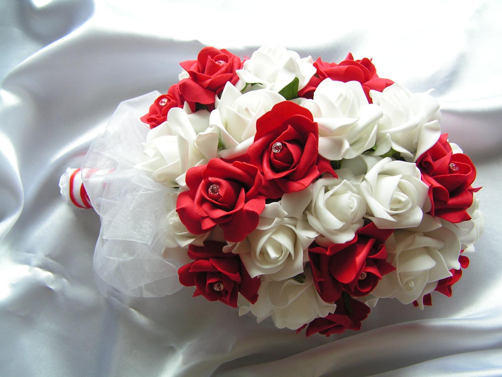 Kytice z pěnových růží - Obrázek č. 4