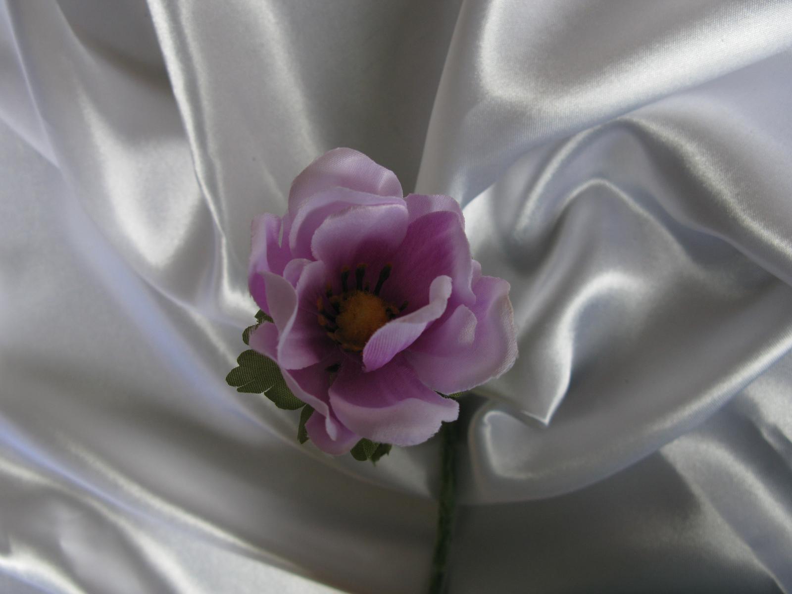 Umělá květina - anemon - Obrázek č. 1