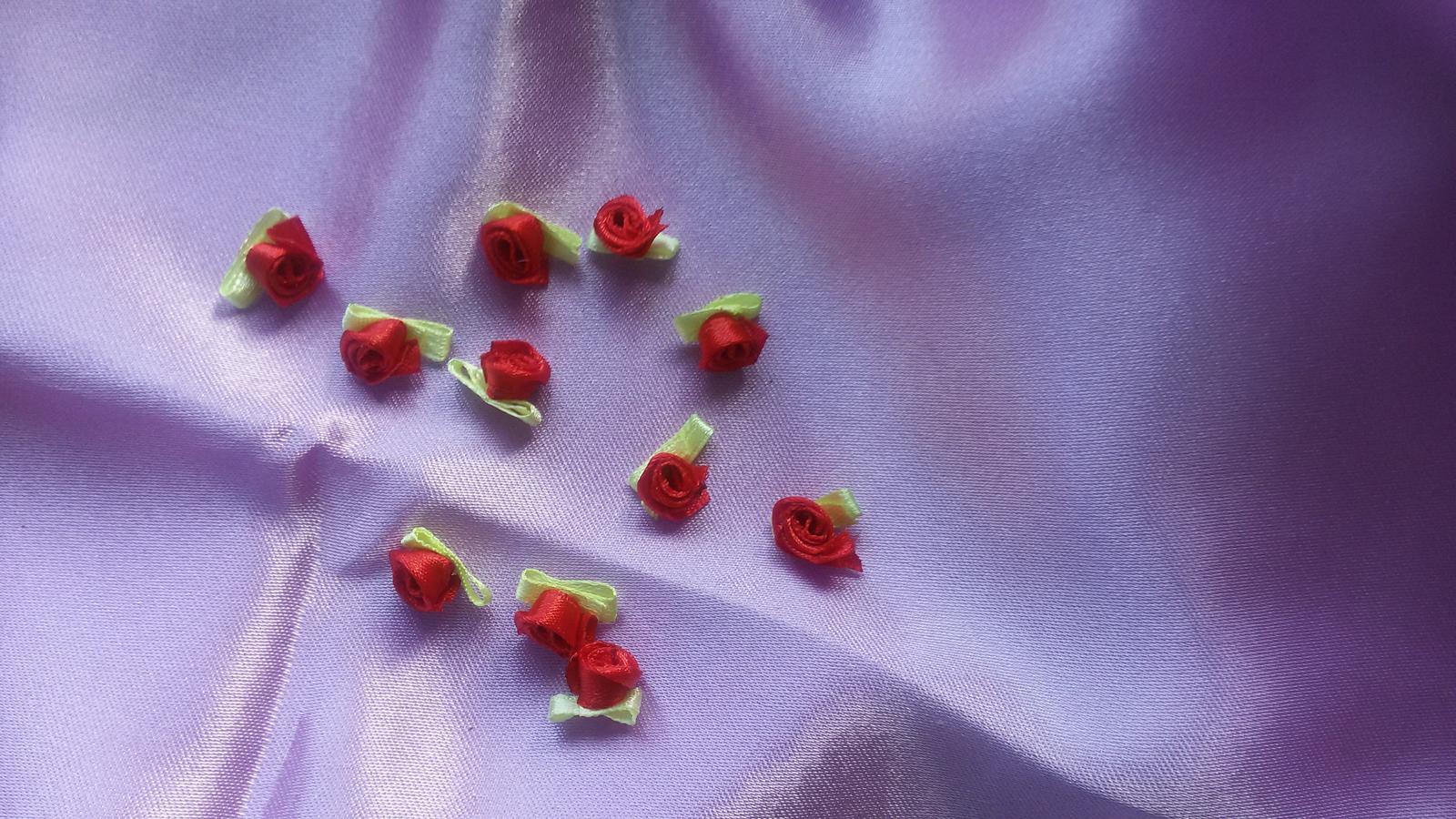 Saténové růžičky - Obrázek č. 1