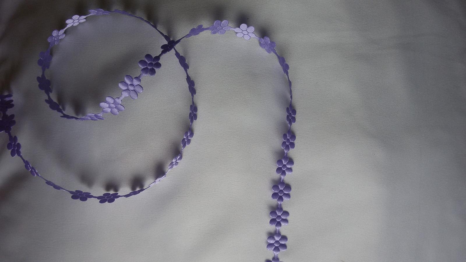 Saténové kytičky - Obrázek č. 1