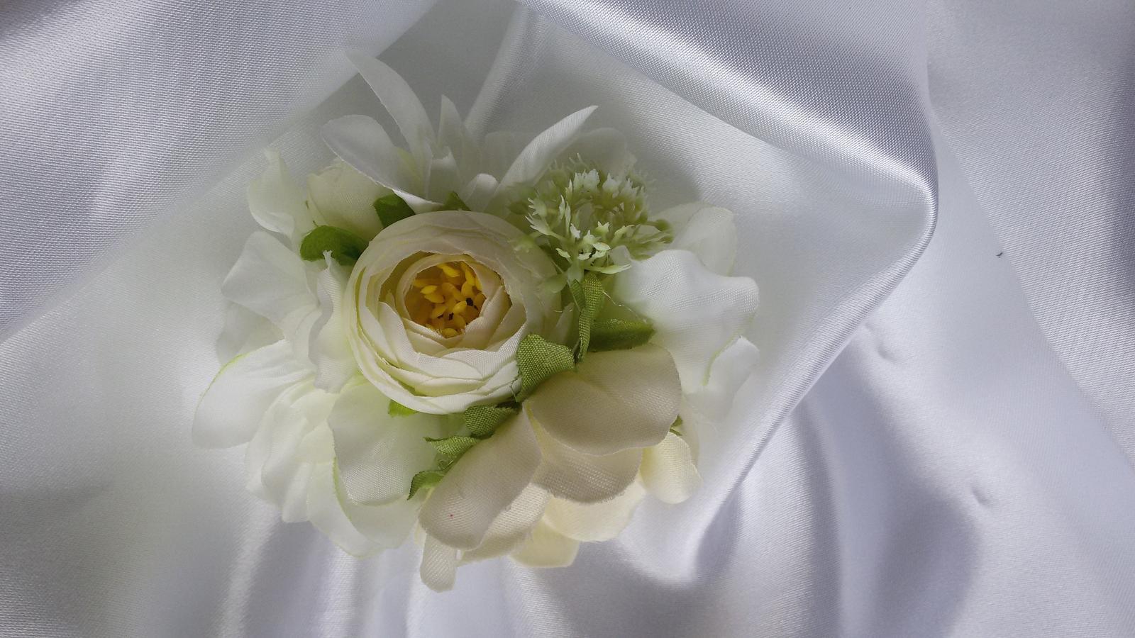 Skřipeček do vlasů s květinou - Obrázek č. 4