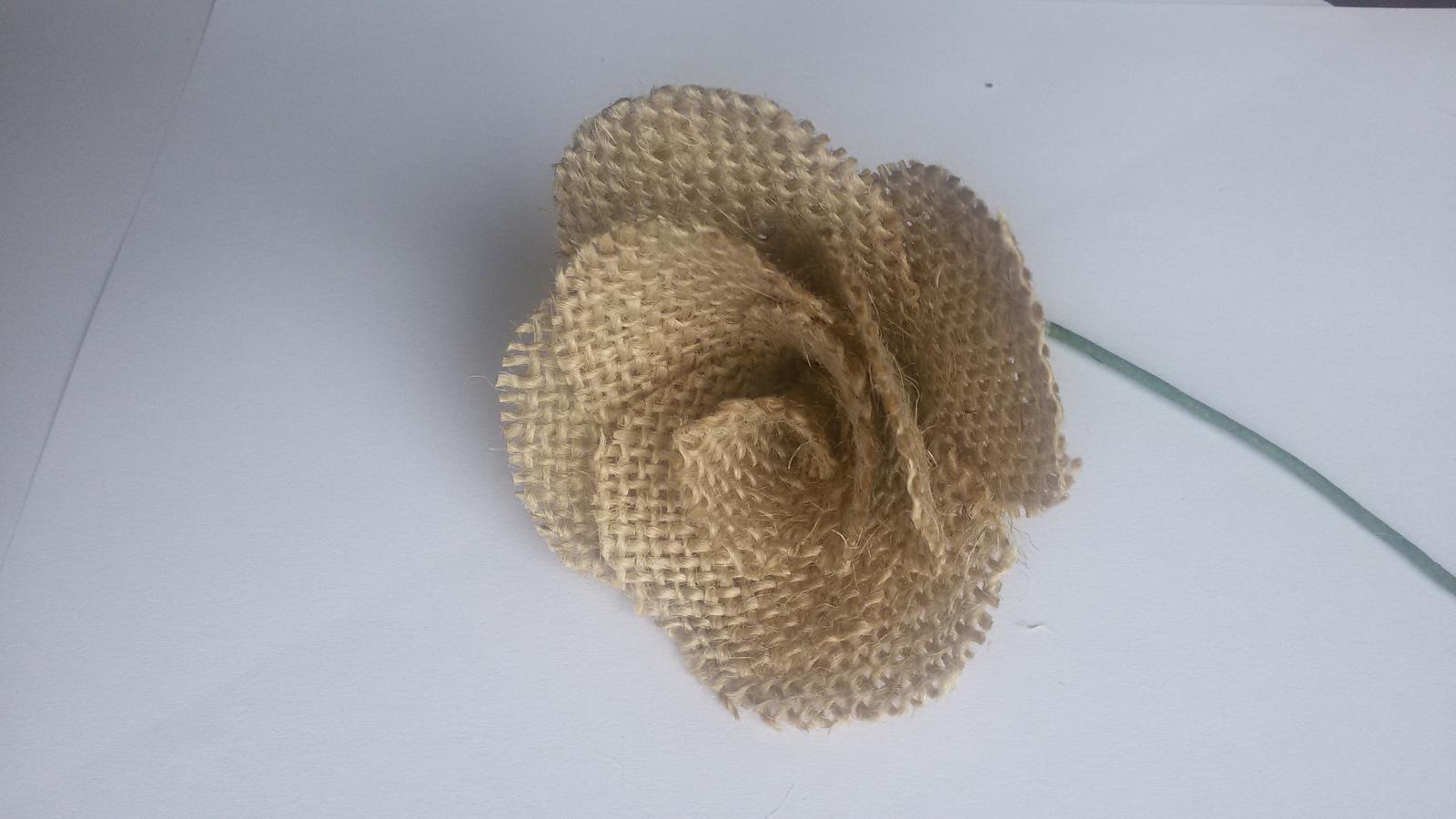 Jutová růže - Obrázek č. 1