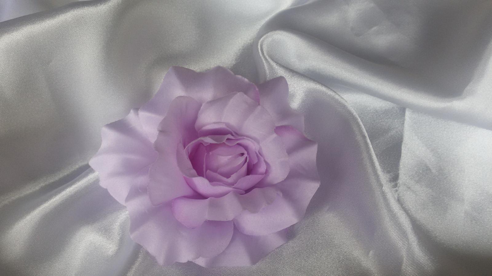 Látkový květ - Obrázek č. 1