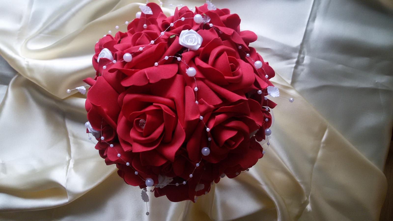 Kytice z pěnových růží - Obrázek č. 3