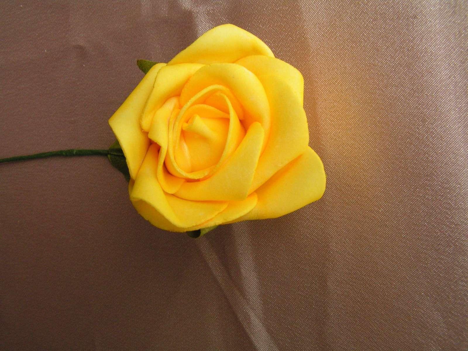 Pěnová růže - 7 cm - Obrázek č. 1