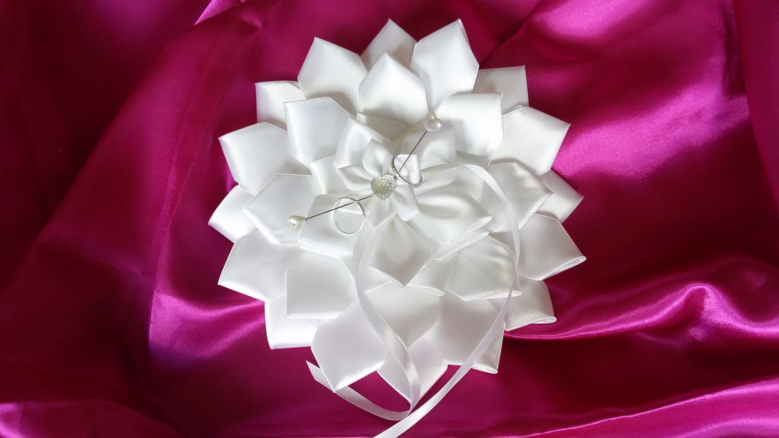 Květina pod prstýnky - Obrázek č. 1