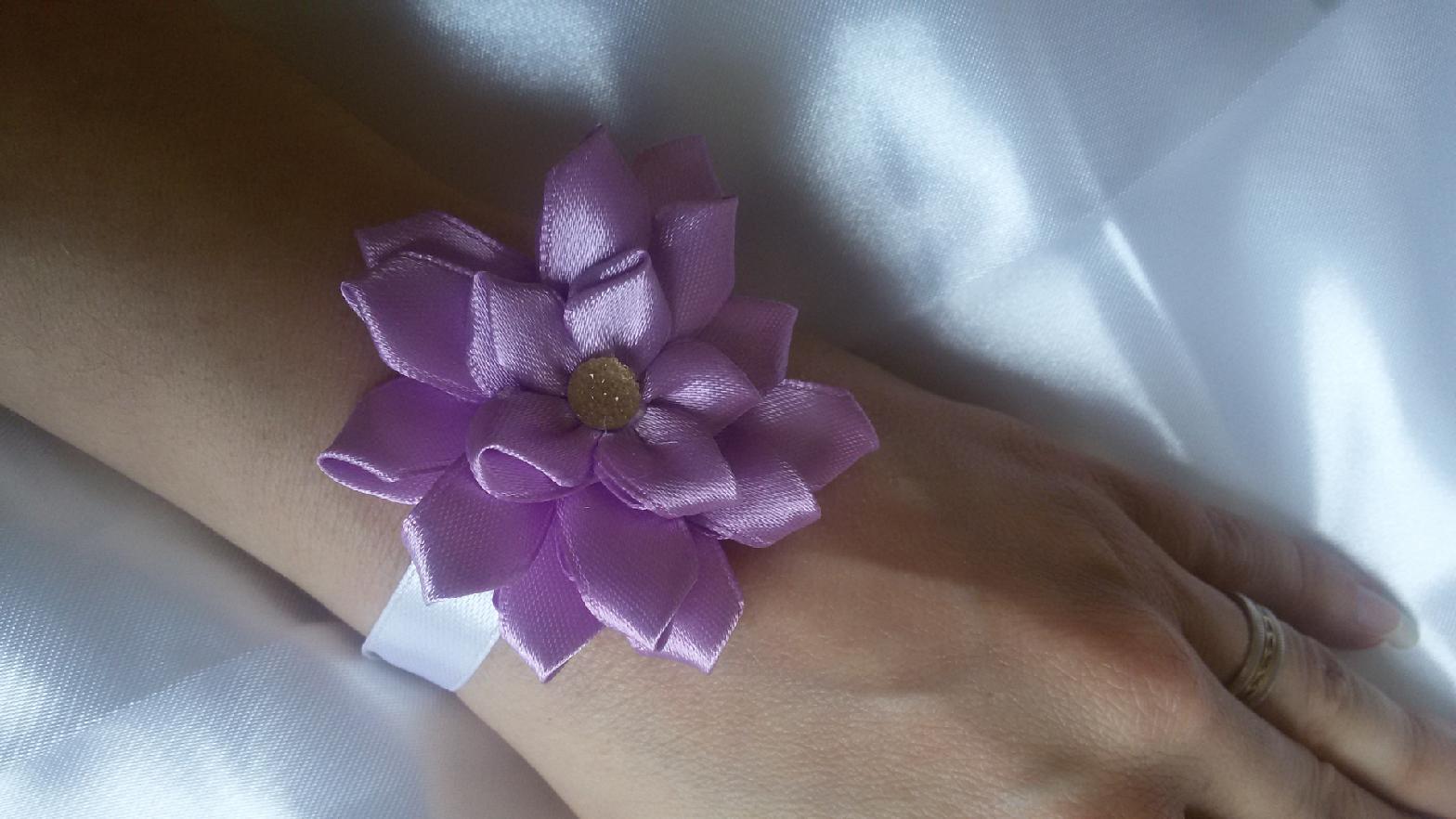 Saténová květinka - Obrázek č. 3