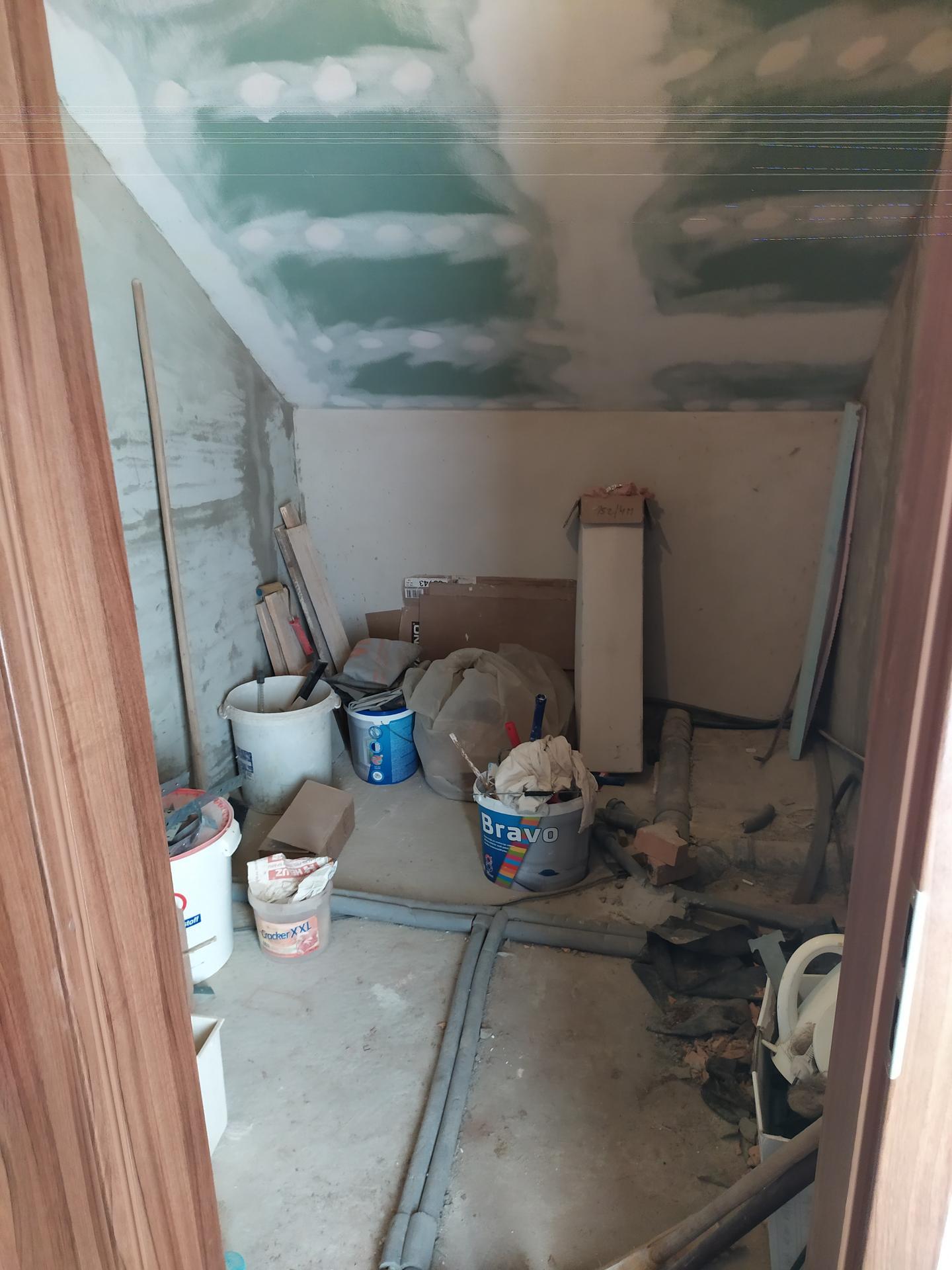 Podkrovní koupelna - poraďte, kam, co dát. - Obrázek č. 7