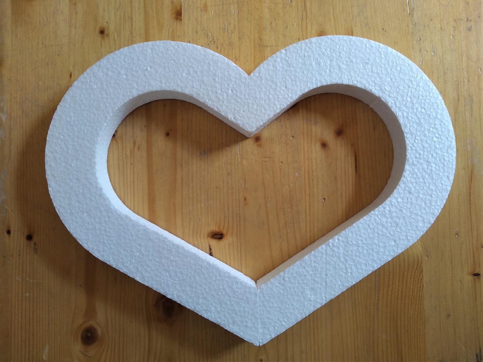 Polystyrenové srdcia - Obrázok č. 2