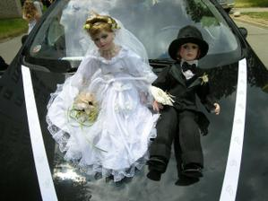 tak nakonec asi vyhraje tato, panenku mám, jen ještě sehnat ženicha