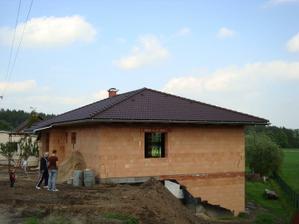 Střecha je komplet hotová:)