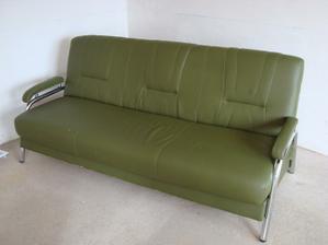 Manžel si udělal radost, za pár šupů si z bazaru koupil gauč do svého království (dílna):-D :-D