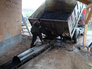Dovezli nám zásobu uhlí:-)