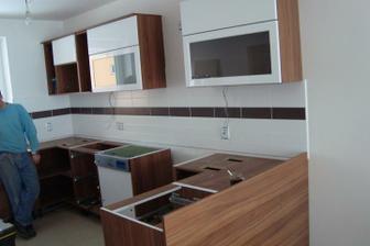 A montuje se kuchyňka