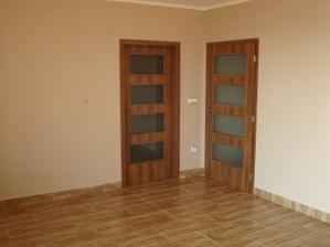 Druhé dveře namontované