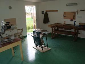 Vše připraveno pro výrobu nábytku do domečku