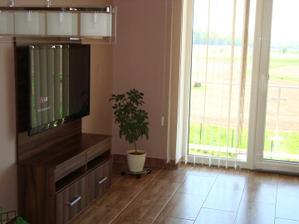Hotový TV stolek