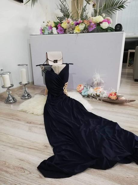Tmavomodre šaty S - Obrázok č. 1