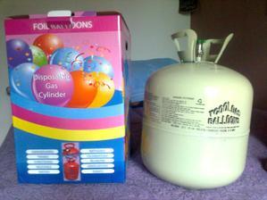 hélium na balóniky už doma :)) aby sme sa nad ránom nenudili :))