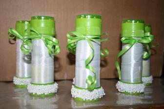 urobené svadobné bublifuky :)) a to budú zároveň menovky pre detičky :) viď ďalšia foto :)