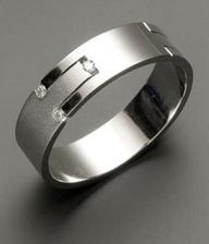 tenhle prstýnek je asi nej....