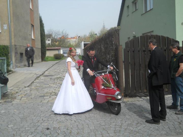 Petra{{_AND_}}Vratislav - My dva pred odjezdem na radnici
