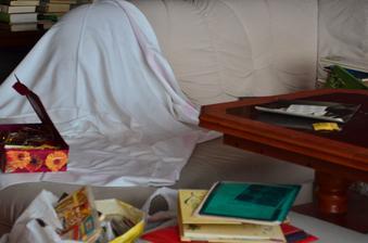 Bordýlek na gauči