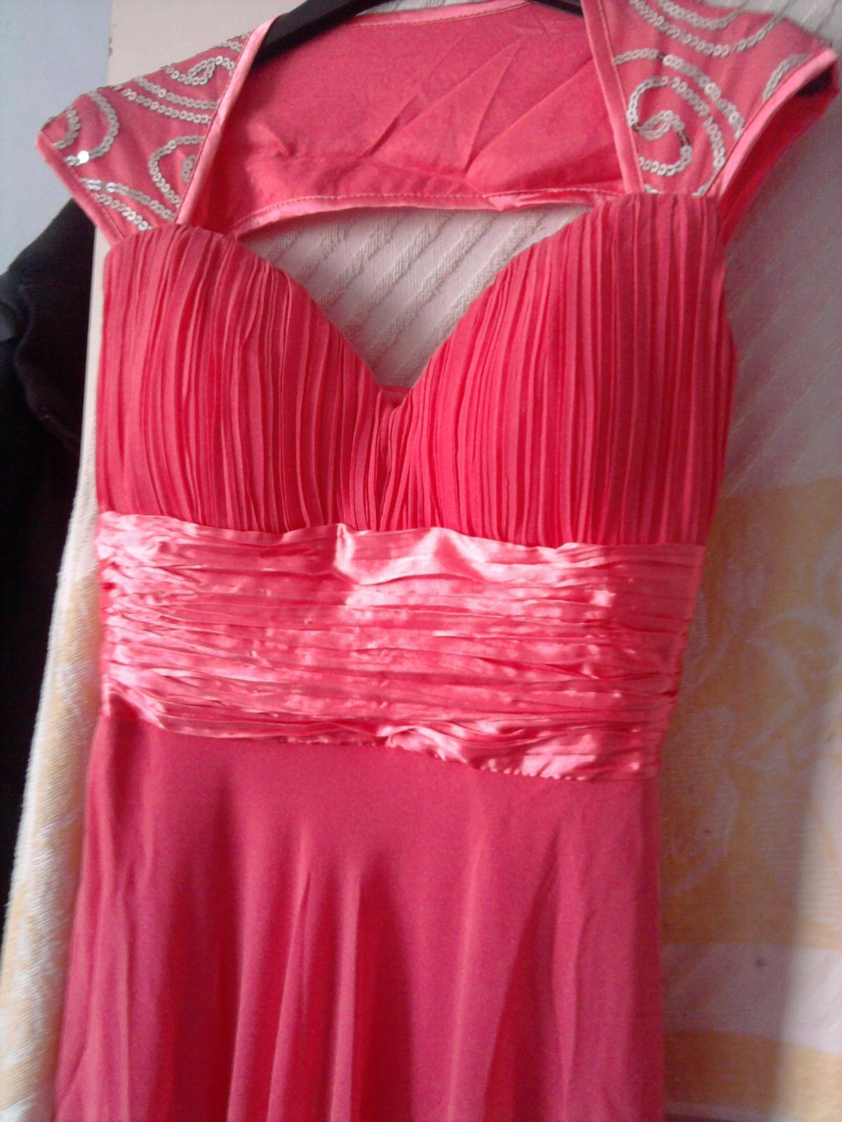 Dnes dorazili šaty pre... - Obrázok č. 2