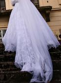 Krajkové šaty s vlečkou a dl. rukávem + výbava, 46