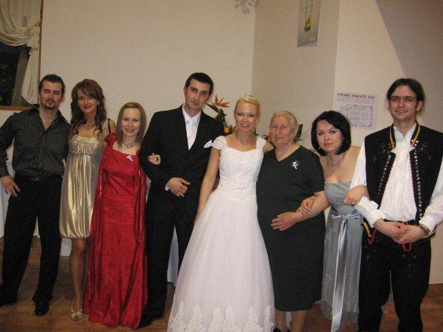 Daška Madutková{{_AND_}}Braňo Hitka - grandma with her grandchildres