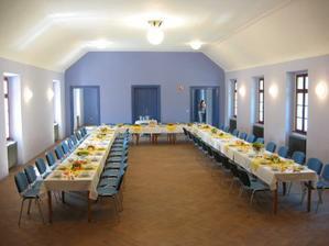sál, ve kterém proběhne hostina