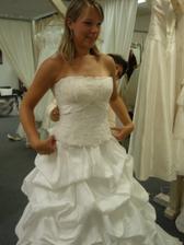 další šaty - nádherný korzet, ale nechci dvojdílné