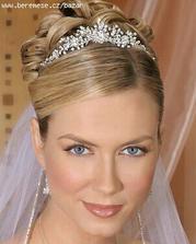 celá krásná nevěsta..hl. ten závoj!