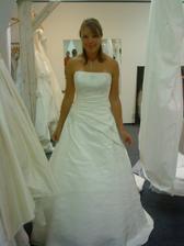 nádherné šaty