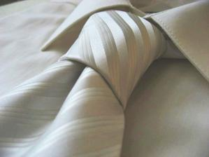 košile a kravata pro ženicha