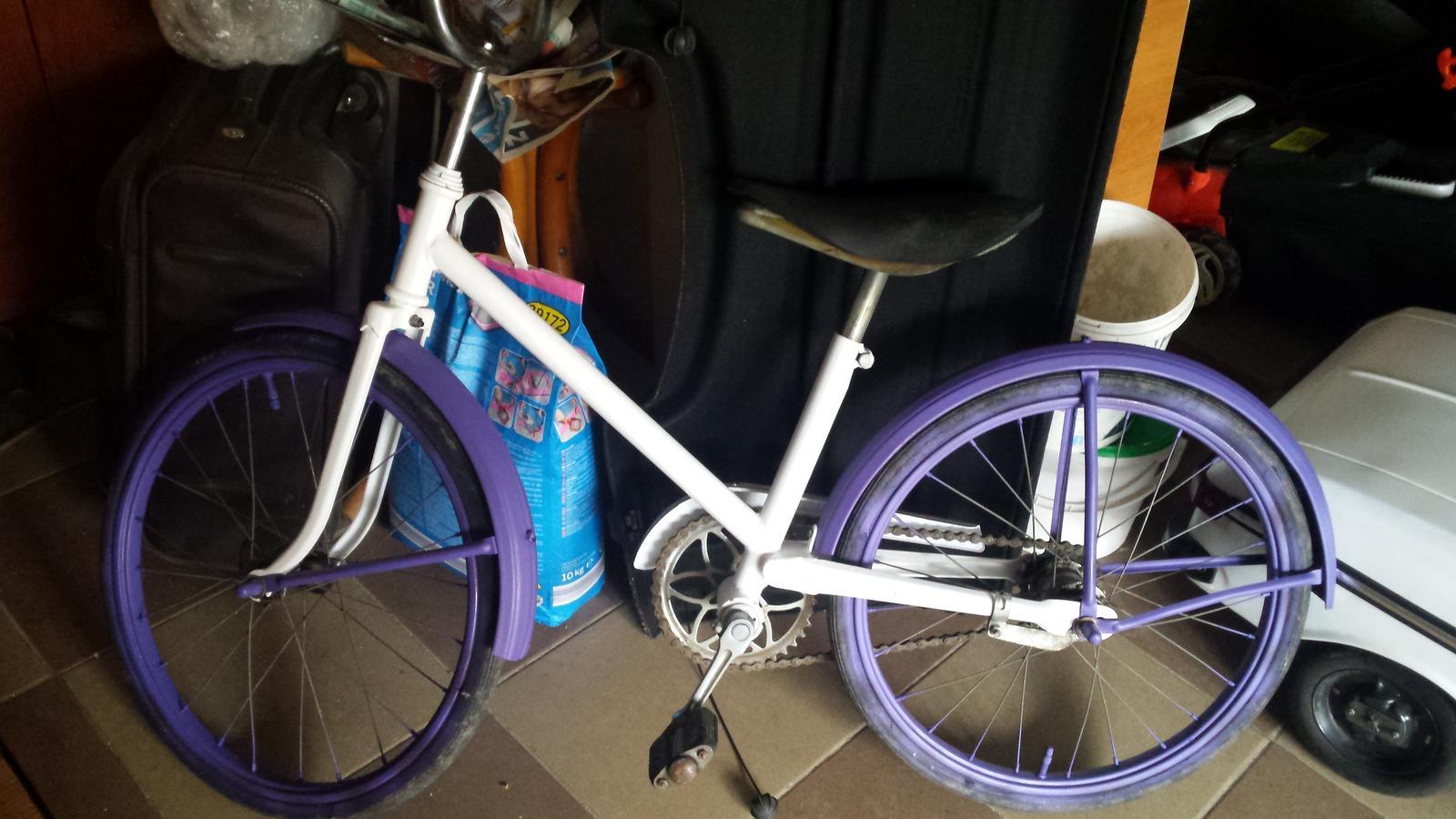 Pomaly zbierame ☺ - Bicykel ešte potrebuje úpravy, ako košík s kvetmi, dať do poriadku pneumatiky, ale základ je.