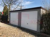 Montovaná garáž pre dve autá s dvoma výklopnými bránami Hormann