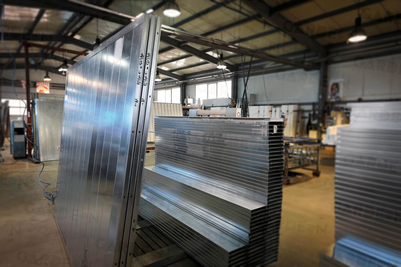 garazenakluc - Takto vyzerá výroba montovaných stavieb GARDEON