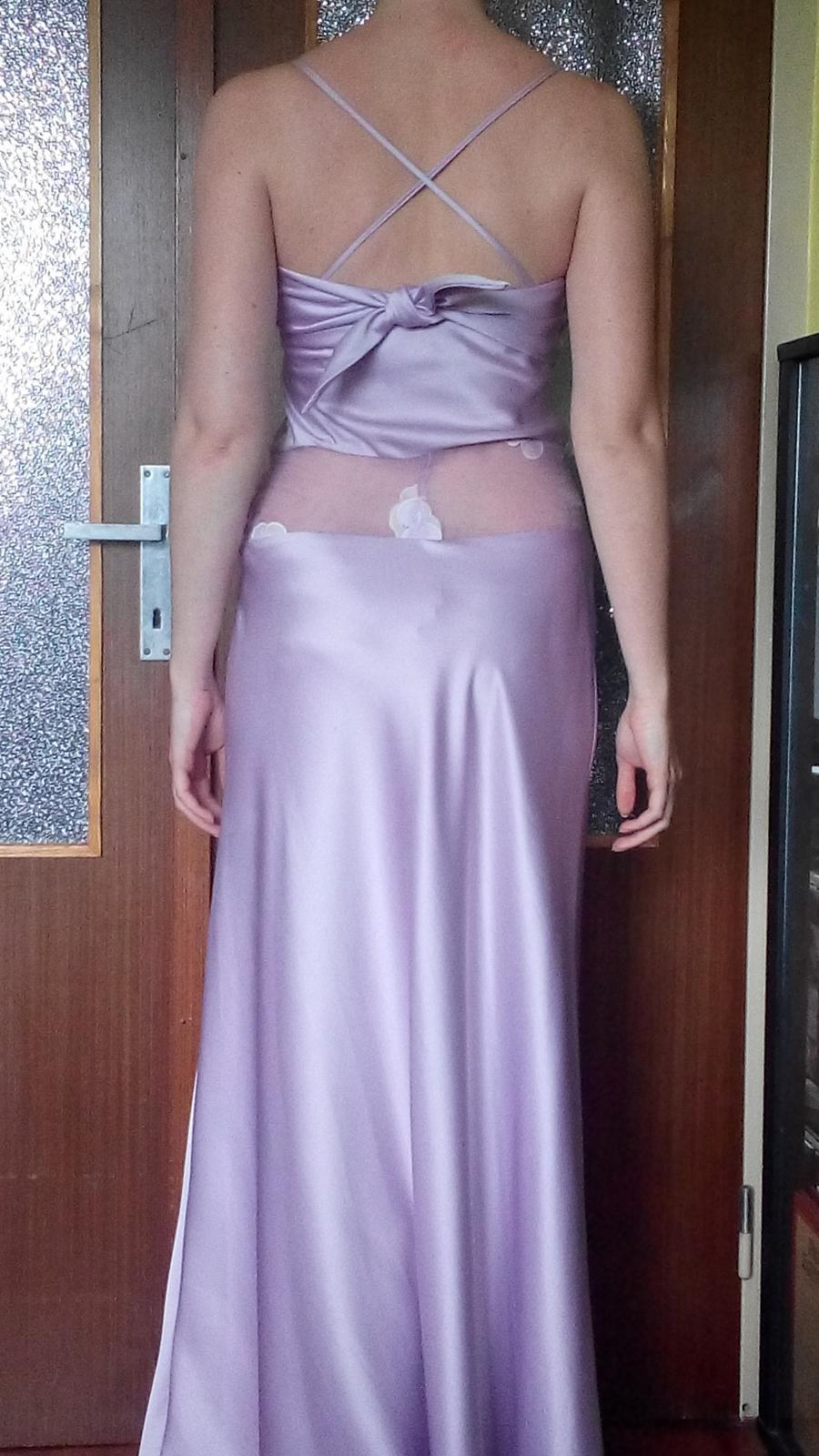 Fialkové šaty - Obrázok č. 4